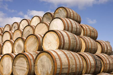 american oak bourbon barrels at a distillery in Scotland Imagens