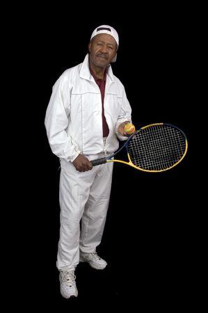 African American activa la tercera edad tenista aislado más de fondo negro  Foto de archivo - 3136223