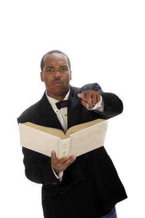 predicatore: African American giovane predicatore che predica, citando la Bibbia Archivio Fotografico