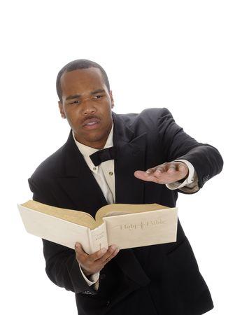 predicador: j�venes African American serm�n del predicador que, citando de la Biblia