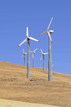 Alternate energy windpowered generators in California generating green power 스톡 콘텐츠