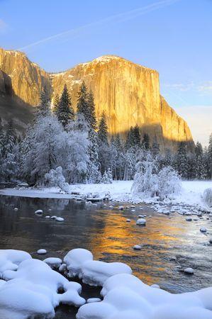 yosemite: Sun set on the granite peaks in Yosemite valley