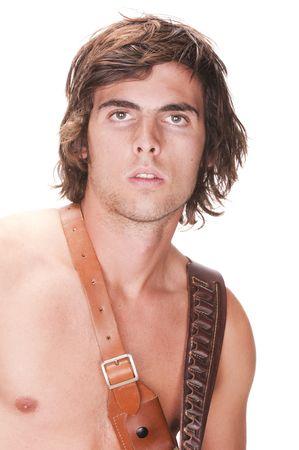 nackte brust: hansome junger Mann mit Munition G�rtel in seiner nackten Brust isoliert auf wei�em Hintergrund