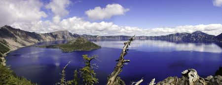 crater lake: Panoramic view of crater lake in Oregon Stock Photo