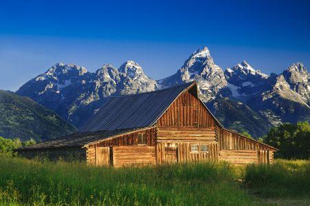 teton: Il Granaio Moulton e la catena montuosa Teton nel Grand Teton National Park, Wyoming.  Archivio Fotografico