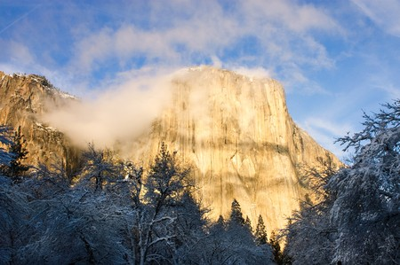 El Capitan in Yosemite valley during the winter in California Stock Photo - 7911661