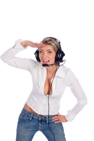 小太りの女航空交通管制官ヘッドセットを白で隔離された敬礼で話しています。