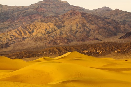 sunrise in Death Valley on Mesquite Dunes Stock Photo - 9343049