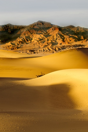 sunrise in Death Valley on Mesquite Dunes Stock Photo - 9343048
