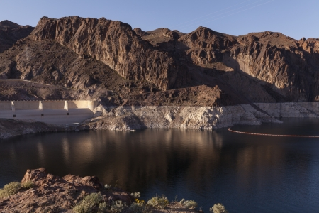 supposed: A view of the water line at Lake mead, behind Hoover dam  Water is supposed to spill over the cement structure on the left  Stock Photo
