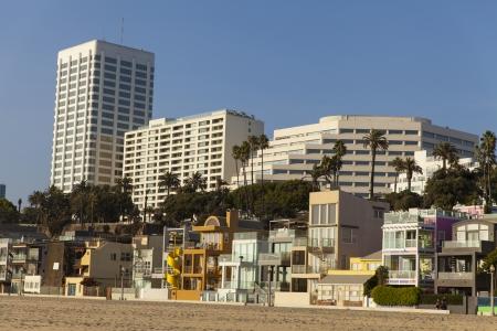 beach front: Beach front properties near the Santa Monica Pier