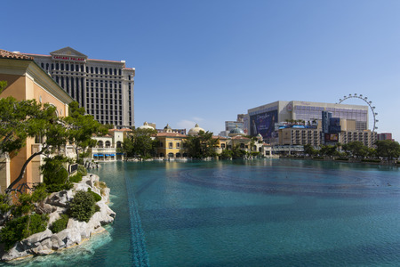 bellagio fountains: LAS VEGAS - MAY 7, 2015 - Gaming revenue on the Las Vegas strip for the month of march is down 9.6 percent compared to a year ago. Editorial