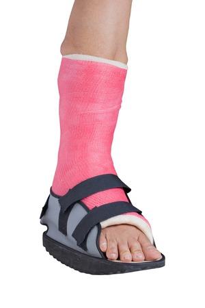 splint: Foot tratamiento f�rula de lesiones por esguince de tobillo, aislado en blanco. Foto de archivo