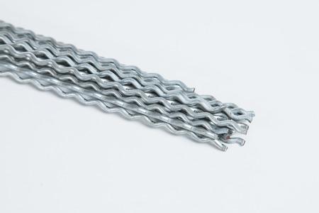prohibido el paso: Primer plano de un montón de alambre de metal Foto de archivo