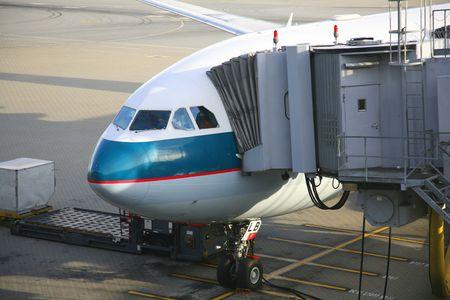 aircraft unloading passengers Stock Photo - 2567586