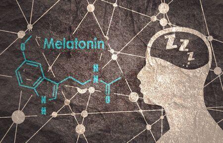Fórmula molecular química de la hormona melatonina. Sincronización del ritmo circadiano. Fórmula esquelética convencional estilizada. Líneas conectadas con fondo de puntos. Silueta, de, un, hombre, cabeza Foto de archivo