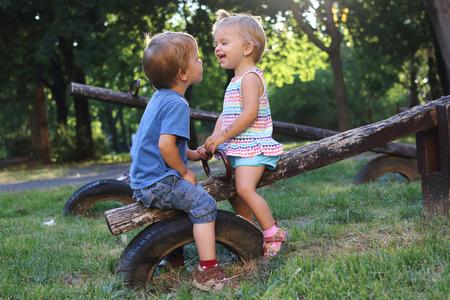 laughing children Reklamní fotografie - 71955834