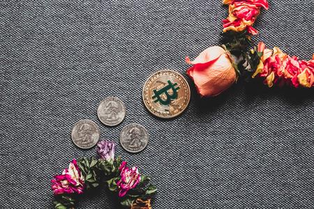 ビットコインは伝統的なお金を打ち負かす 写真素材