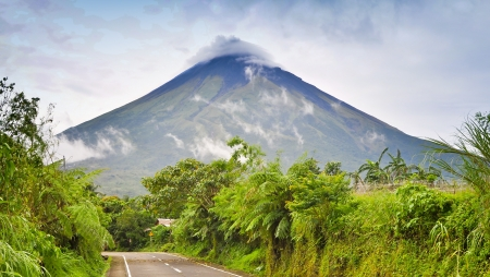 cinders: Mayon Volcano - Albay, Philippines Stock Photo