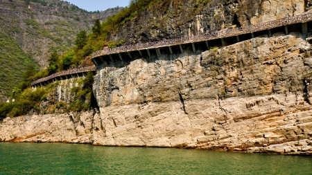 Walkway Built on Sheer Cliff - Lesser Three Gorges, Wushan, China Stock Photo - 14839768