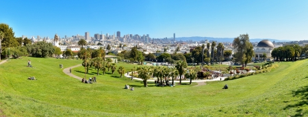 Panorama - Dolores Park, Downtown San Francisco in Background