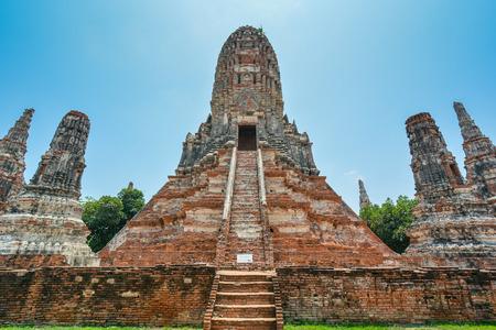 Prang and Merus in Wat Chaiwatthanaram  Ayutthaya Thailand Banco de Imagens