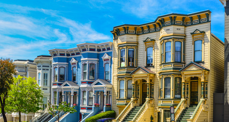 Italianate 様式のビクトリア朝の家 San Francisco の行 報道画像