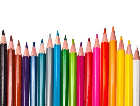 crayons de couleur - isolés sur le fond blanc