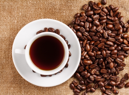 Coffee cup and beans Stock Photo - 17890614