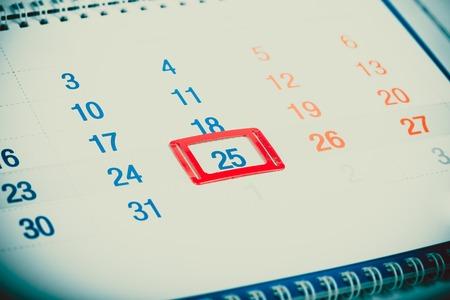 Blau getönten Kalenderseite Standard-Bild - 44210751