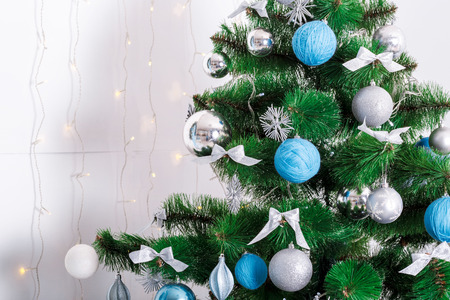 hearthside: Decorated Christmas tree. beautiful Christmas living room with Christmas tree Stock Photo