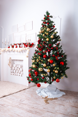 fireplace living room: Beautiful Christmas living room with Christmas tree and fireplace Stock Photo