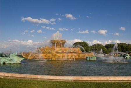 Buckingham Fountain in Grant Park, Chicago, Illinois photo