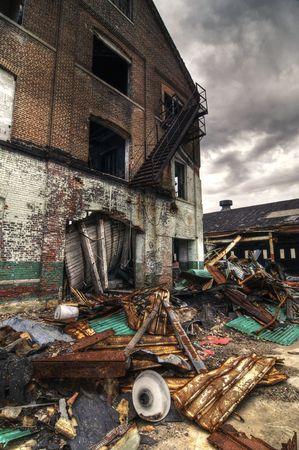 Demolido edificio de ladrillo