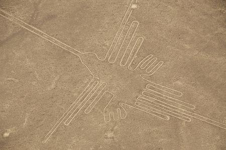 Los geoglifos de colibr� en las l�neas de Nazca en Per�