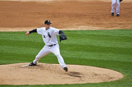 CHICAGO, IL - 29 de abril: Gavin Floyd lanza para los Chicago White Sox vs Seattle Mariners en U.S. Cellular Field en Chicago, Illinois, el 29 de abril de 2009