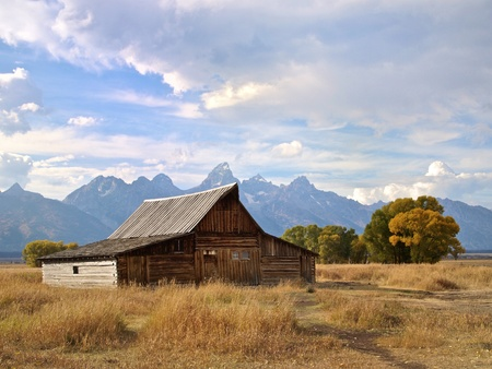 Grand Tetons and the Moulton Barn, Wyoming Stock Photo - 11215053
