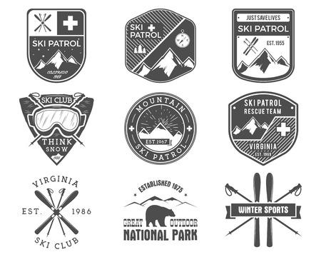 Set of Ski Club, Patrol Labels. Vintage Mountain winter sports explorer badges. Outdoor adventure logo design. Travel hand drawn and hipster monochrome insignia Snowboard icon symbol Wilderness Vector Vettoriali