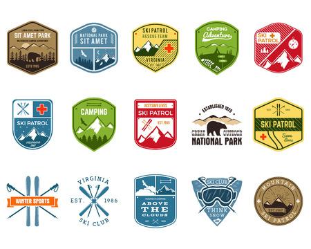 Set von Ski Club, Patrol Labels. Vintage-Berg Winterlager Explorer Abzeichen. Outdoor-Abenteuer-Logo-Design. Reise Hand gezeichnet und Hipster Farbe Abzeichen. Snowboard-Symbol Symbol. Wildnis. Vektor. Standard-Bild - 50398814