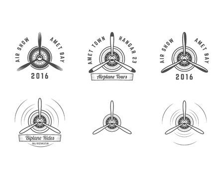Conjunto de emblemas de hélices de aviones de época. etiquetas biplano. Retro insignias de avión y elementos de diseño. Colección de sellos de la aviación. logo Airshow y logotipo. Viejo icono, aislado en el fondo blanco Vector