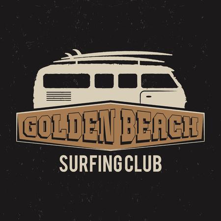 Vintage-Surfing Club-T-Shirt-Design. Retro T-Shirt mit Grafik und Emblem für Web-Design oder ausdrucken. Surfbrett, goldenen Strand Logo-Design. Surf van Symbol. Retro rv Auto. Sommer-Boarding auf den Wellen. Vektor.