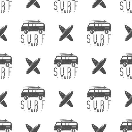 Surfen Reise Musterentwurf. Sommer nahtlose Design mit Surfer van, Surfbretter. Monochrome Kombi-Auto. Vektor-Illustration. Verwenden Sie für Stoffdruck, Web-Projekte, T-Shirts oder T-Designs.