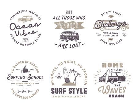 Set Vintage Surfen Grafiken und Embleme für Web-Design oder Print. Surfer-Logos. Surf-Abzeichen. Sommer Spaß Typografie Insignien Sammlung. Stock Vektorgrafik Hipster Patches isoliert auf weiß Standard-Bild - 81814290
