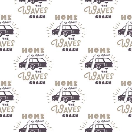 Surf diseño de patrón de coche de estilo antiguo. Papel tapiz transparente de verano con van surfista, tablas de surf, sunbursts. Coche combi monocromo Ilustración vectorial Uso para impresión de telas, proyectos web, camisetas. Foto de archivo - 81916359