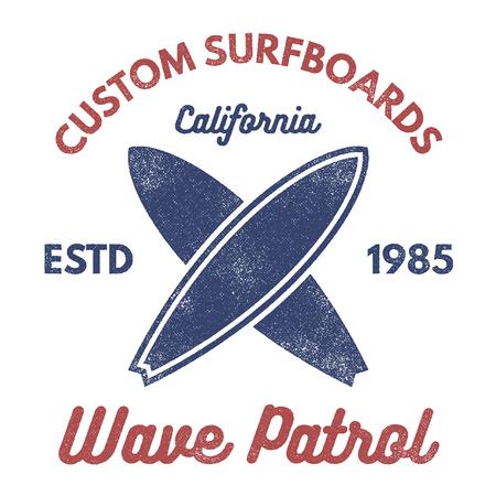 빈티지 서핑 티 디자인입니다. 레트로 t- 셔츠 웹 디자인 또는 인쇄에 대 한 그래픽 및 상징입니다. 서퍼, 비치 스타일의 로고 디자인. 서핑 배지 서핑 보드 인감, 요소, 기호입니다. 여름에 파도에 탑승. 벡토 스톡 콘텐츠 - 85423945