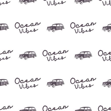 Projeto surfando do teste padrão do carro do estilo antigo. Verão sem costura papel de parede com surfista van, sinal de tipografia de vibrações de oceano. Carro combi monocromático. . Para impressão de tecidos, projetos web, camisetas ou camisetas Foto de archivo - 92554296