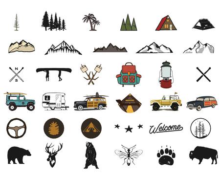 Symboles d'aventure dessinés à la main vintage, randonnée, formes de camping de sac à dos, animaux sauvages, canoë, voiture de surf, sac à dos. Conception monochrome rétro. Pour les t-shirts, les imprimés. Icônes de silhouette stock isolés