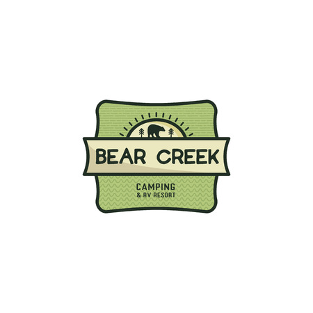 Vintage hand drawn travel badge. Camping label concept. Bear creek. Stock vector patch isolated on white background 版權商用圖片 - 110918068