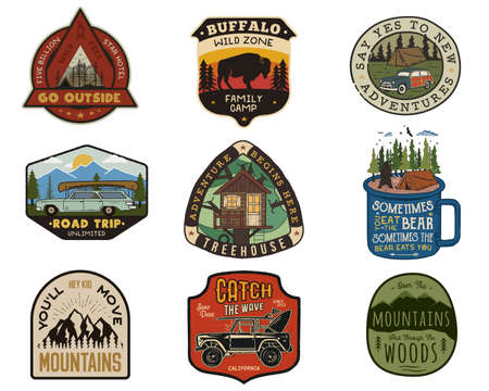 Vintage travel patches set. Hand drawn camping labels designs. Mountain expedition, road trip, surfing. Outdoor hike emblems. Hiking logotypes collection. Stock isolated on white. Archivio Fotografico