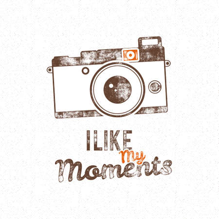 Retro poster with old camera icon and text - i like my moments. Isolated on grunge halftone background. Photography vintage design for t shirt, tee design, web project. Inspiration type. Archivio Fotografico - 157882583